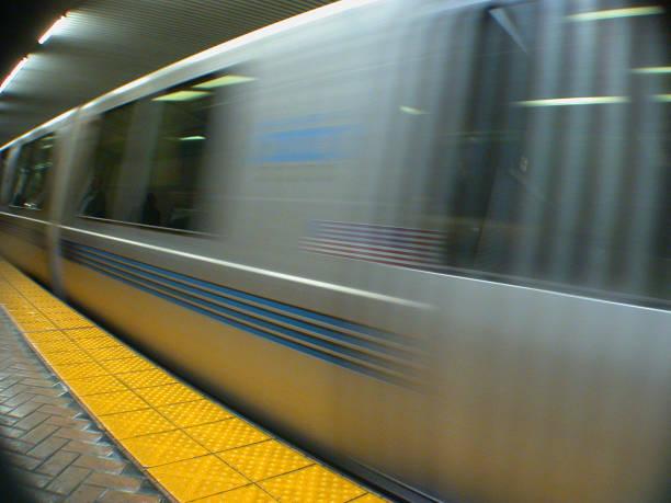 einem bart in motion – schnelligkeit - bart stock-fotos und bilder