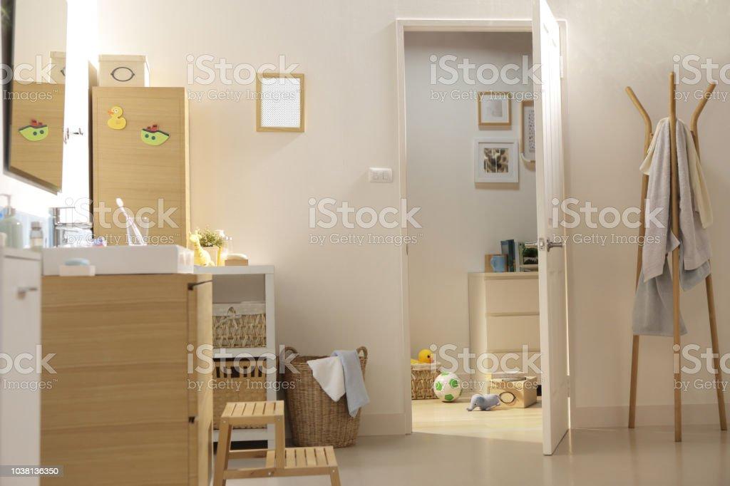 Beau Eine Tür Zu öffnen, Ins Bad Lizenzfreies Stock Foto