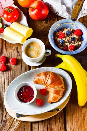 신선 하 고 맛 있는 맛 있는 크로 아침 식사 0명에 대한 스톡 사진 및 기타 이미지