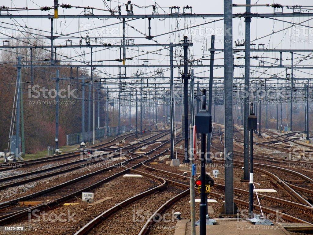 een heleboel nummers rond het station van Gouda, Nederland foto