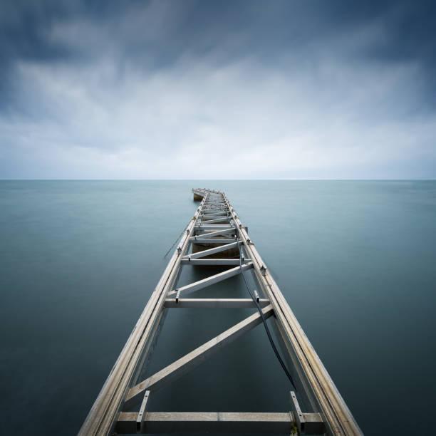 une jetée de minimalisme - Photo