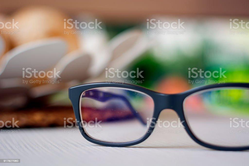 Monokel bilder und stockfotos istock