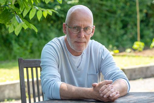 안경 야외 수석 남자의 초상화 나이에 대한 스톡 사진 및 기타 이미지