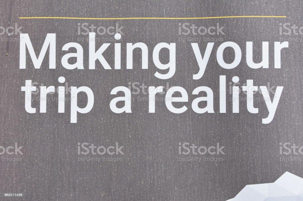 sign-making podróż rzeczywistość - Zbiór zdjęć royalty-free (Bez ludzi)