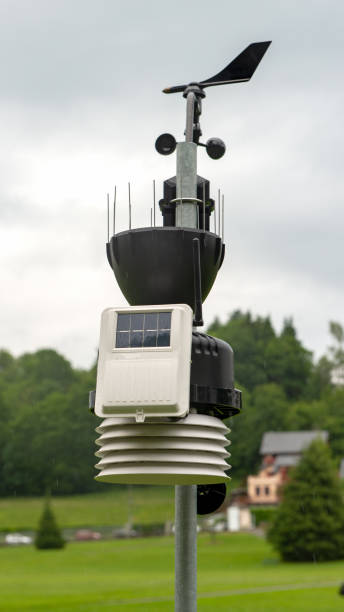 a small weather station in the countryside - foto stock