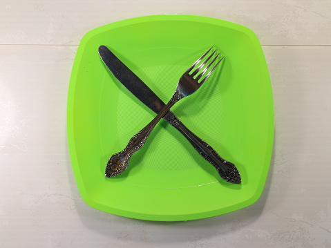 Foto de Uma Colher De Sopa Em Um Prato Verde e mais fotos de stock de Alimentação Saudável