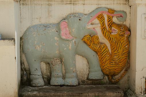909806032 istock photo a temple in savannakhet laos 1152768679