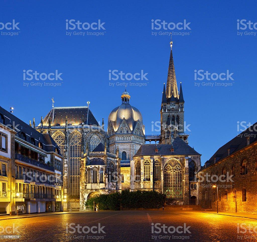 Aachener dom in der Nacht – Foto