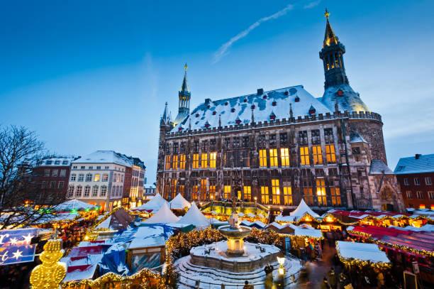 Aachener Weihnachtsmarkt im Dezember – Foto