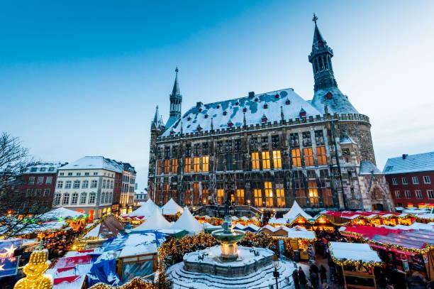 aachener weihnachtsmarkt - aachen stock-fotos und bilder
