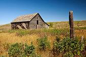 istock Abandoned Barn 173889555