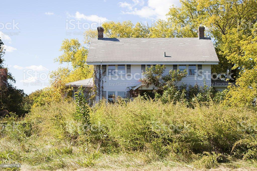 Abandonado estilo Colonial de casa - foto de stock