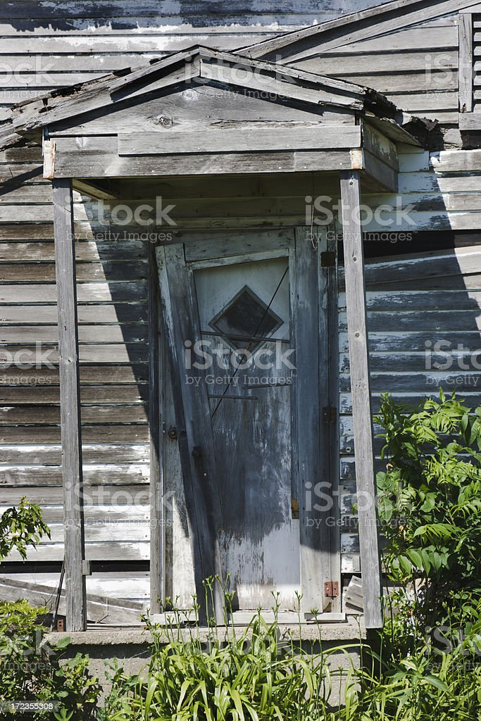 Abandonado entrada de granja foto de stock libre de derechos