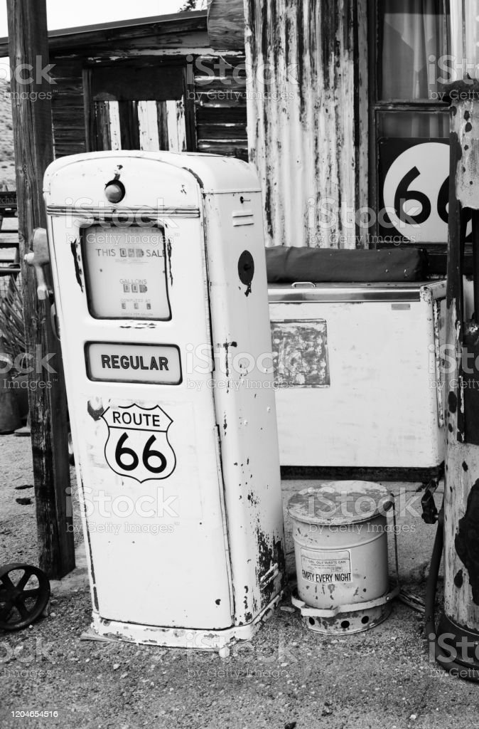 Abandoned Gas Station On Route 66 Arizona Stock Photo Download Image Now Istock