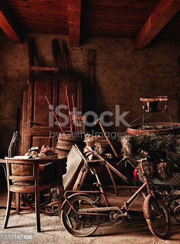 istock Abandoned Home. Color Image 117147496