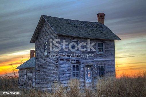 istock Abandoned Home on Hooper's Island 1257534846