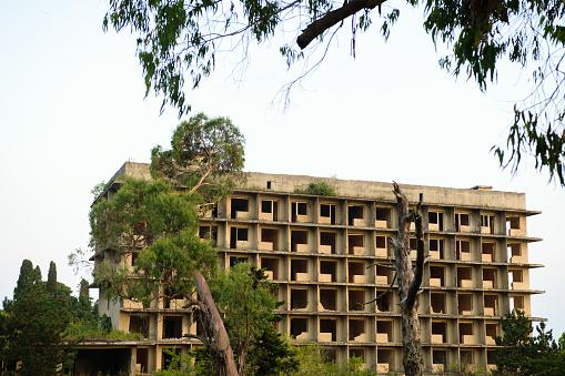 istock Abandoned hotel in Abkazia 911742706