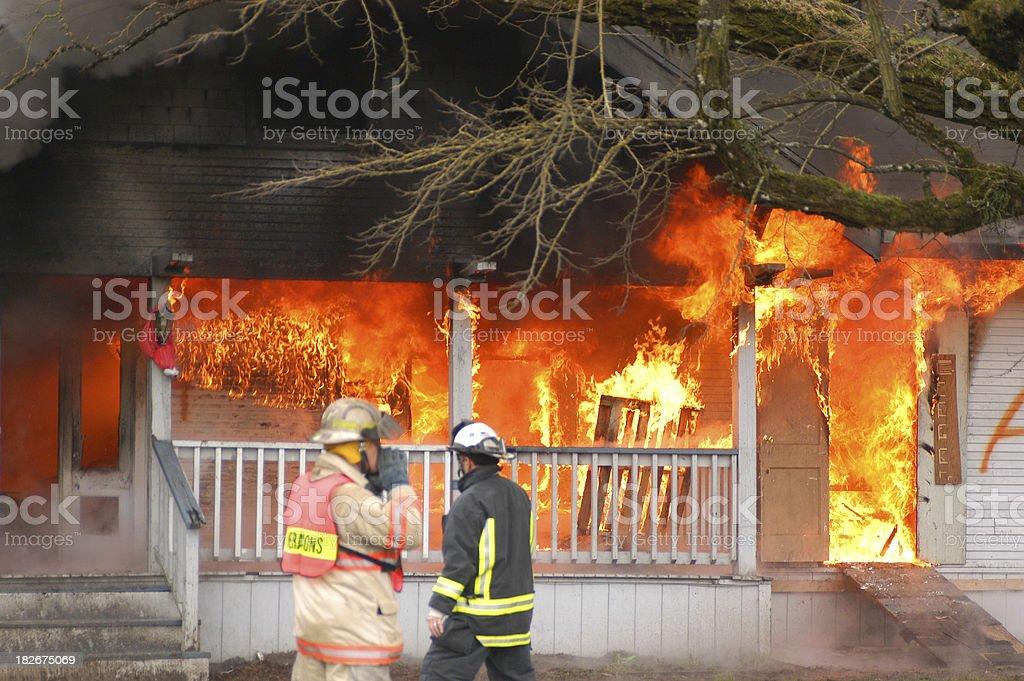 Verlassenen Haus Feuer – Foto