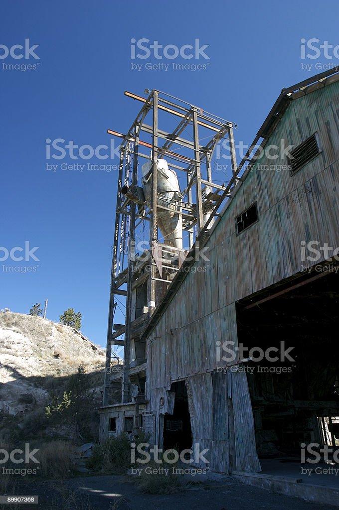 Abandonado mina de piedra caliza foto de stock libre de derechos