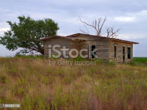 istock Abandoned Shack 136583105