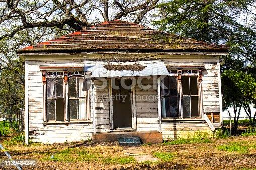 istock Abandoned Uninhabitable One Level Home 1139484240