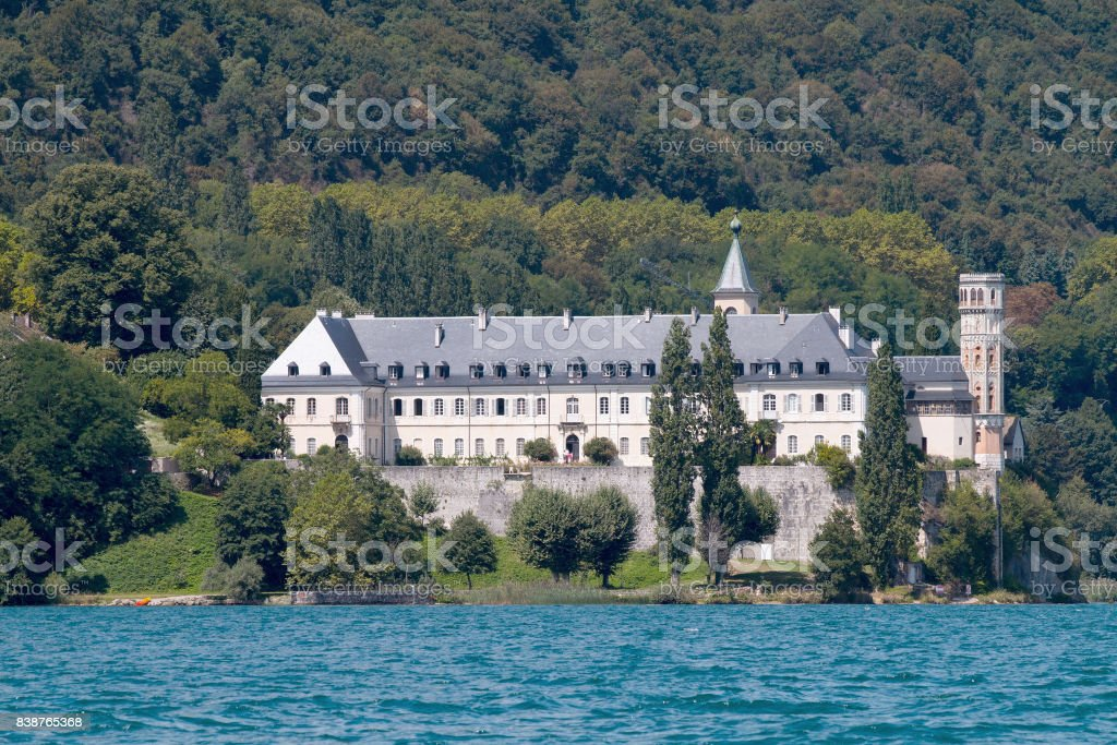 Abbaye de Hautecombe depuis le Lac du Bourget - Photo
