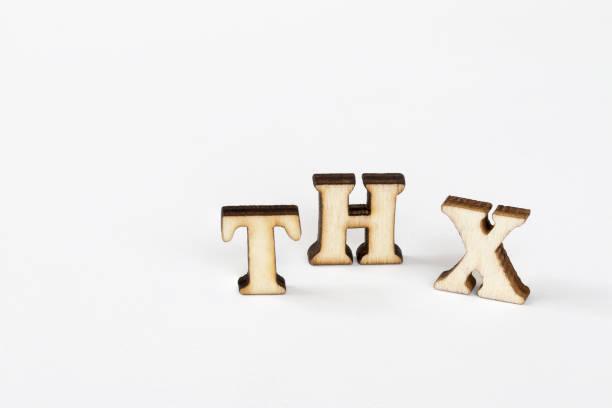 thx, hölzerne alphabet objekt dank abkürzungen - 3d typografie stock-fotos und bilder