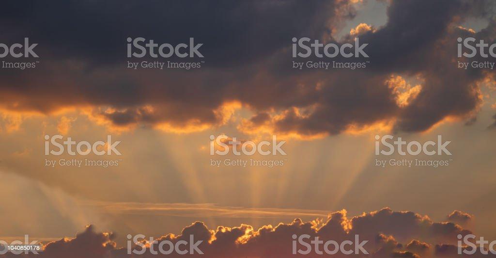 Abendhimmel mit Sonnenuntergang stock photo