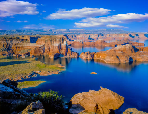 Above Lake Powell in Page, Arizona USA Above it all; majestic USA; southwest vastness; grand distant view; adventure travel lake powell stock pictures, royalty-free photos & images