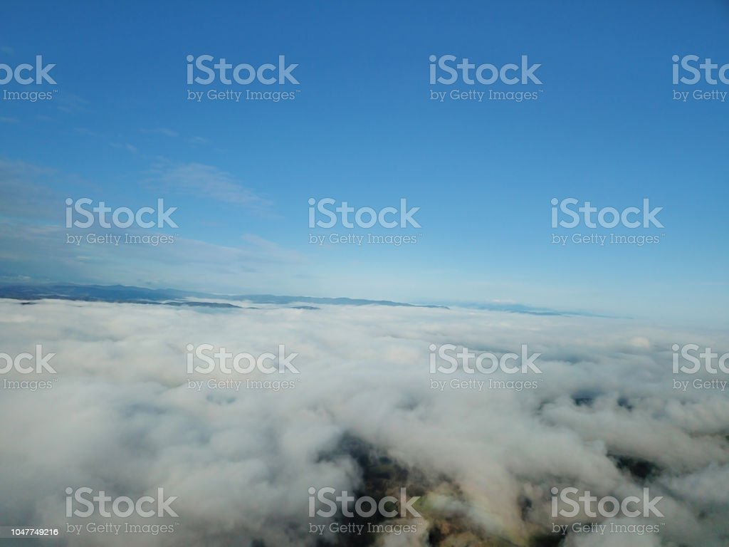 Bulutların üstünde stok fotoğrafı