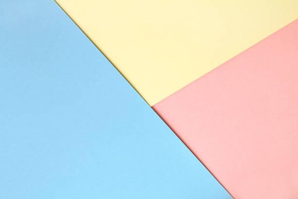 3 色で抽象的な非対称幾何学的水彩画用紙の背景 ストックフォト