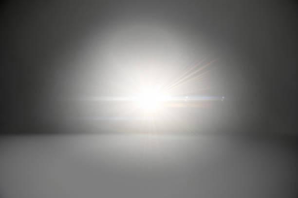 Abstrakter Hintergrund - leuchtender Stern umgeben von schwarzem Halo-Rahmen – Foto