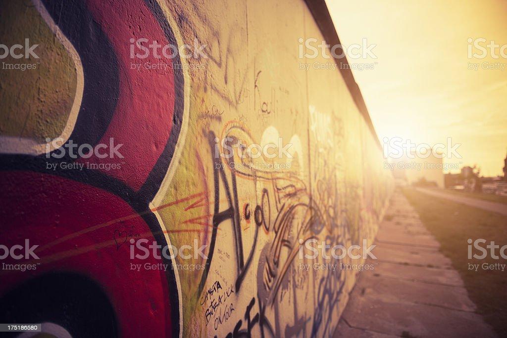 Abstrakte Berliner Mauer graffiti-Deutschland – Foto