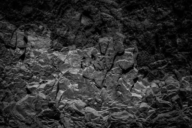 Abstrakter schwarzer Felshintergrund, Natursteinstruktur – Foto