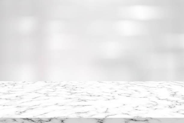 추상 대리석 판자 카운터 테이블 홍보와 깨끗 한 흰색 인테리어 현대 사무실 배경 흐림 효과 콘텐츠 또는 제품 디스플레이에 표시 - 화장실 건축물 뉴스 사진 이미지