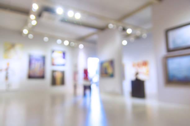 abstract blur defocus background of art gallery museum or showroom - museu imagens e fotografias de stock