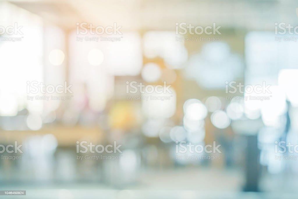 Resumen blur interior moderno del restaurante café con abrir la puerta luz y fondo de efecto de color naranja para el diseño foto de stock libre de derechos