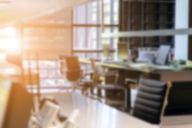abstract blur modern office interior - focagem no primeiro plano imagens e fotografias de stock