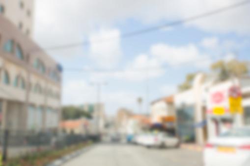 Arka Plan Bulanık Bulanık Yol Ile Çalışan Araba Stok Fotoğraflar & Aciliyet'nin Daha Fazla Resimleri