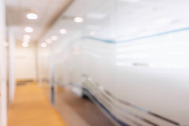 Espace intérieur abstrait bureau floue. espace de travail floue - Photo