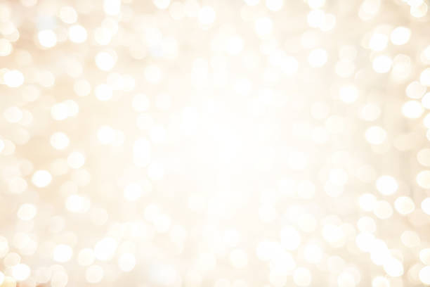 abstrakcyjne niewyraźne miękkie jasne kremowe tło z świecącym światłem i efektem świetlnym bokeh na wesołe święta i wesoły nowy rok 2019 projekt festiwalu i koncepcja elementów - beżowy zdjęcia i obrazy z banku zdjęć