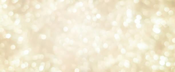 abstrakcyjny niewyraźny miękki jasny kremowy kolor panoramiczne tło z świecącym światłem i efektem świetlnym bokeh na wesołe święta i szczęśliwego nowego roku 2019 projekt festiwalu i koncepcja elementów - błyszczący zdjęcia i obrazy z banku zdjęć