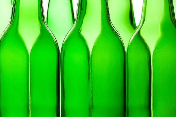 abstrakte flasche formen. - recycelte weinflaschen stock-fotos und bilder