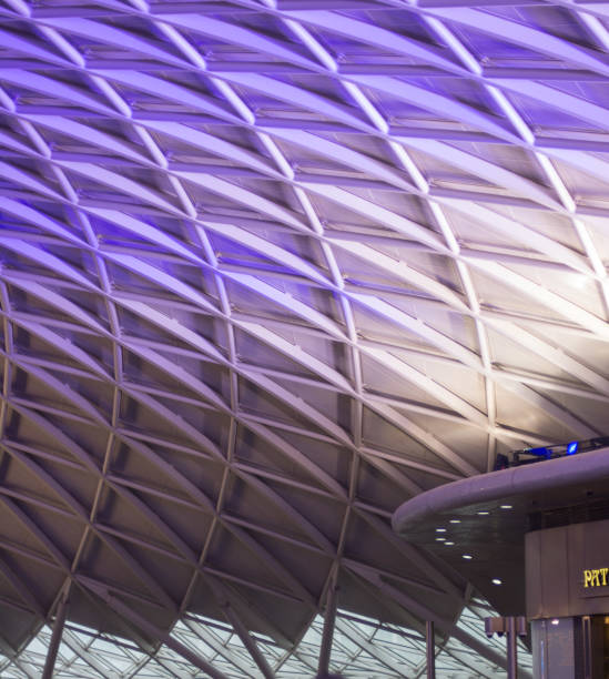 abstrakte decke des kings cross - kevin bilder stock-fotos und bilder