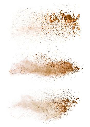 Beyaz Arka Plan Üzerinde Izole Soyut Renkli Kahverengi Toz Patlama Stok Fotoğraflar & Arka planlar'nin Daha Fazla Resimleri