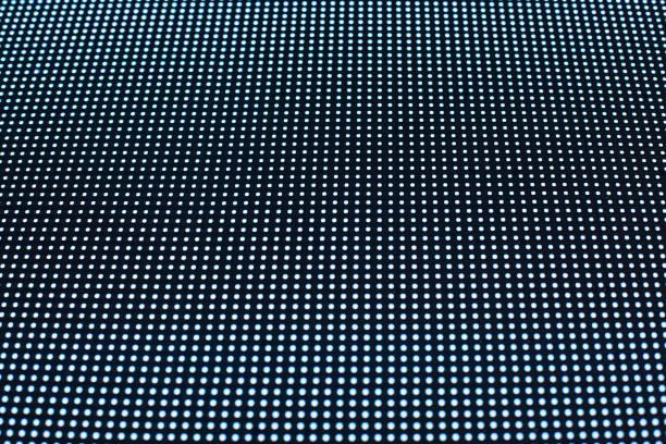 abstrakte dunkel gepunktete textur hintergrund, viele kleine blaue neon runde punkte lichter auf schwarzem hintergrund, dekorative helle polka dot ornament, geometrische parallele linien digitale grafik-muster, kopie randraum - dekoration rund um den fernseher stock-fotos und bilder