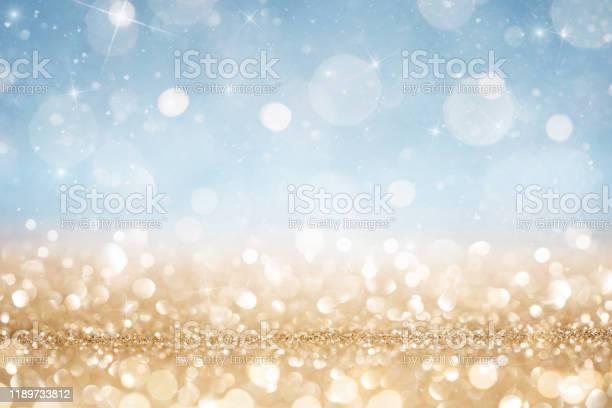 추상적 인 데초점 골드와 블루 반짝이 배경 0명에 대한 스톡 사진 및 기타 이미지
