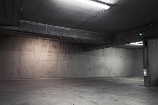 Abstract Empty Garage Interior Background - zdjęcia stockowe i więcej obrazów Abstrakcja