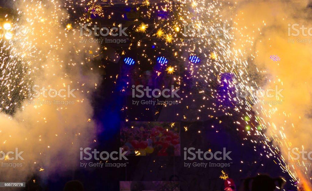 Abstrakte Feuerwerk funkelt mit Leerraum Hintergrund – Foto
