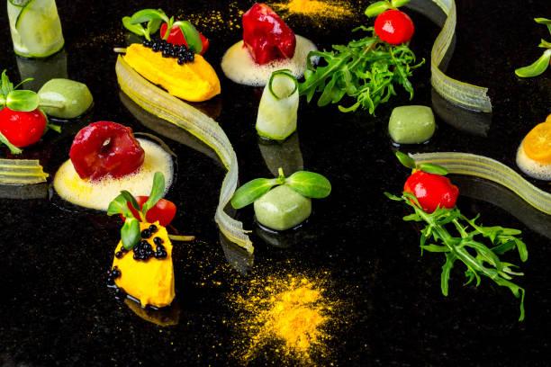 abstrakte gastronomie vorhut begriff molekularküche hintergrund - pfannen test stock-fotos und bilder